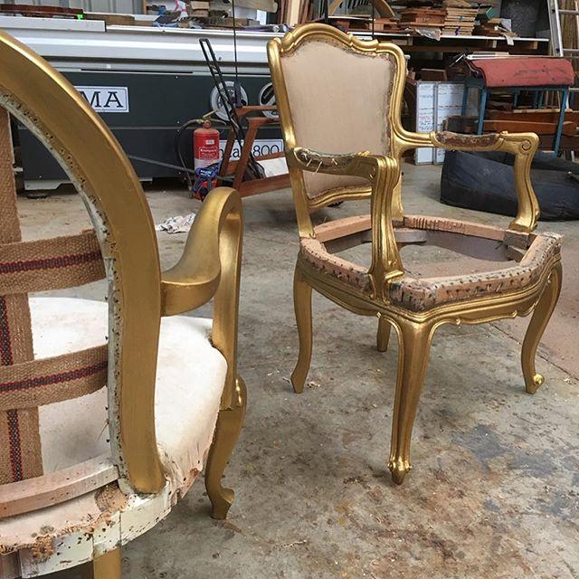 Gilt varnish chairs, before and after . . . #woodcarving #carving  #finefurniture #chair #furnituremaker #chairmaking #woodworking #handmade #furniturerestoration #antiquerestoration #frenchpolishing #shellac #workshops #reproductionfurniture #kyneton #macedonranges