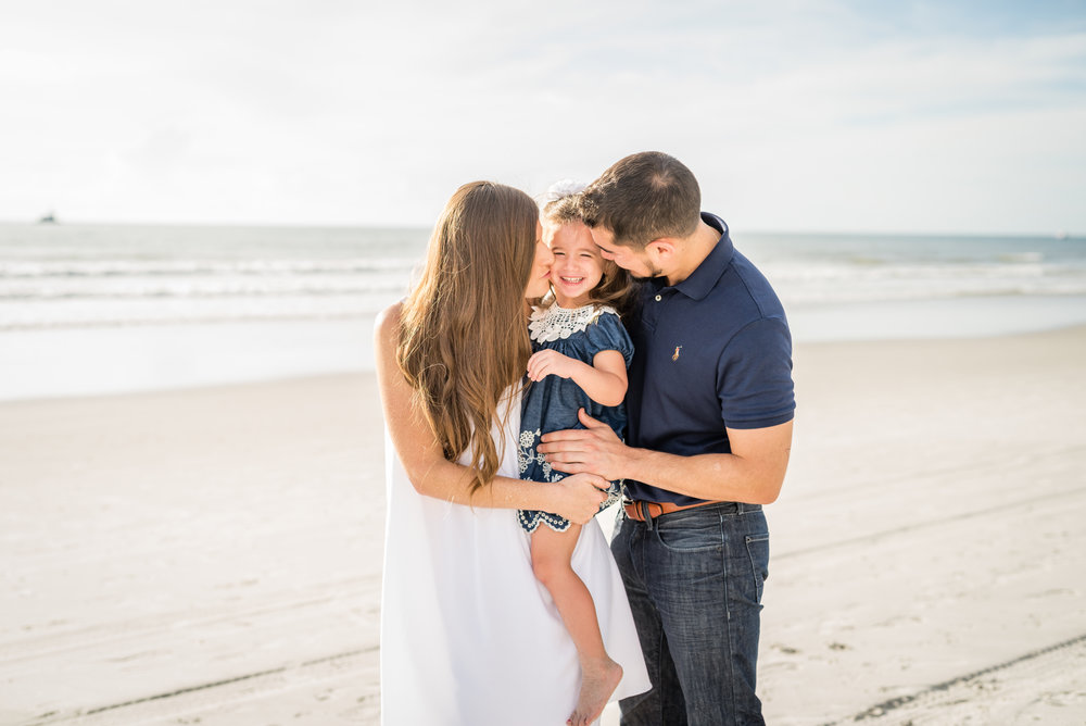 beachfamilyphotography-kristingroverimages3.jpg