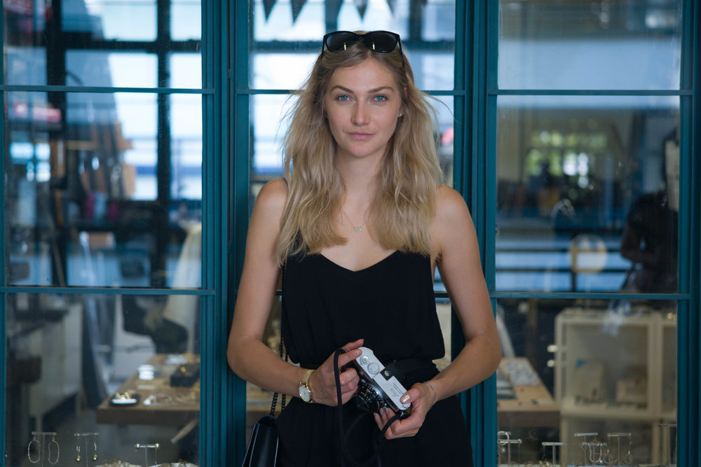 Leica M10-P + Leica 90mm Macro-Elmar-M f/4 - ISO 1600, 1/125s, f/4- Same shooting distance