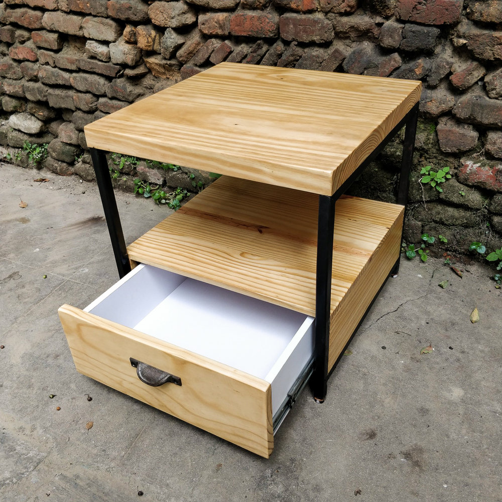 Pinewood - Standard - With drawer