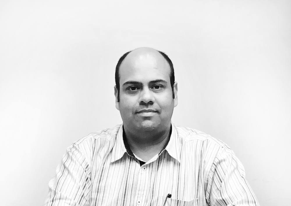 Ketan Hingankar    Associate  Ketan Hingankar has been a member of N+U Design Studio team since 2010. He has been involved in client interaction and co-ordination with the site team, consultants & vendors for various projects. He has been working on all stages of a project starting from site analysis, building by-laws, design discussions with the clients, building plan approval, tendering and execution. An excellent coordinator and stickler for time lines, Mr. Hingankar has the ability to smoothly extract work from his team as well as consultants.  He has worked on large scale group housing projects for Ramprastha Developers and Agarwal Associate Group, commercial/hotel projects like Coral Brio, Park Town Commercial and school projects for Chintel, Zee Schools and Ramprastha. Suave & courteous, Mr. HIngankar is actively involved in business development.  Mr. Hingankar was formerly working with an architectural/ restoration firm in Chicago, USA,  where he gained experience of renovation and façade restoration of various high-rise residential and office buildings ranging from 25 to 55 stories. He has also worked closely with Chicago public pchools on façade restoration for more than 30 schools in Chicago metropolitan area.
