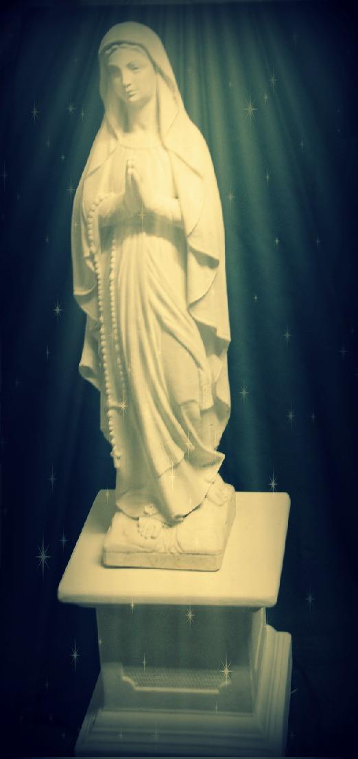 Sv. Dievmātes statuja