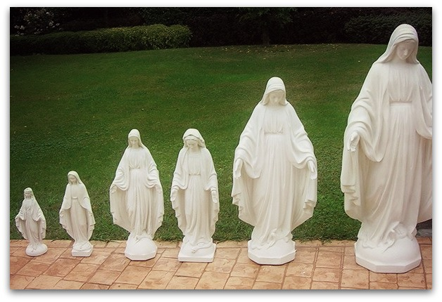 Sv. Dievmātes statujas