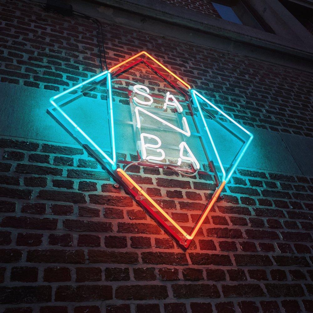 neon verlichting en reclame neonartbe