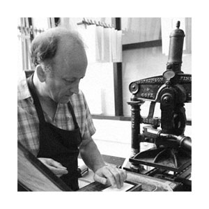 Ian Knight using an Albion Handpress