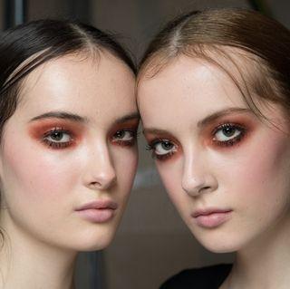 autumn-winter-2017-hair-makeup-trends-j-js-lee-1492094004.jpg