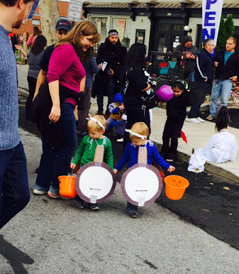 Dueling banjos in Beacon's Hocus Pocus Kids Parade.