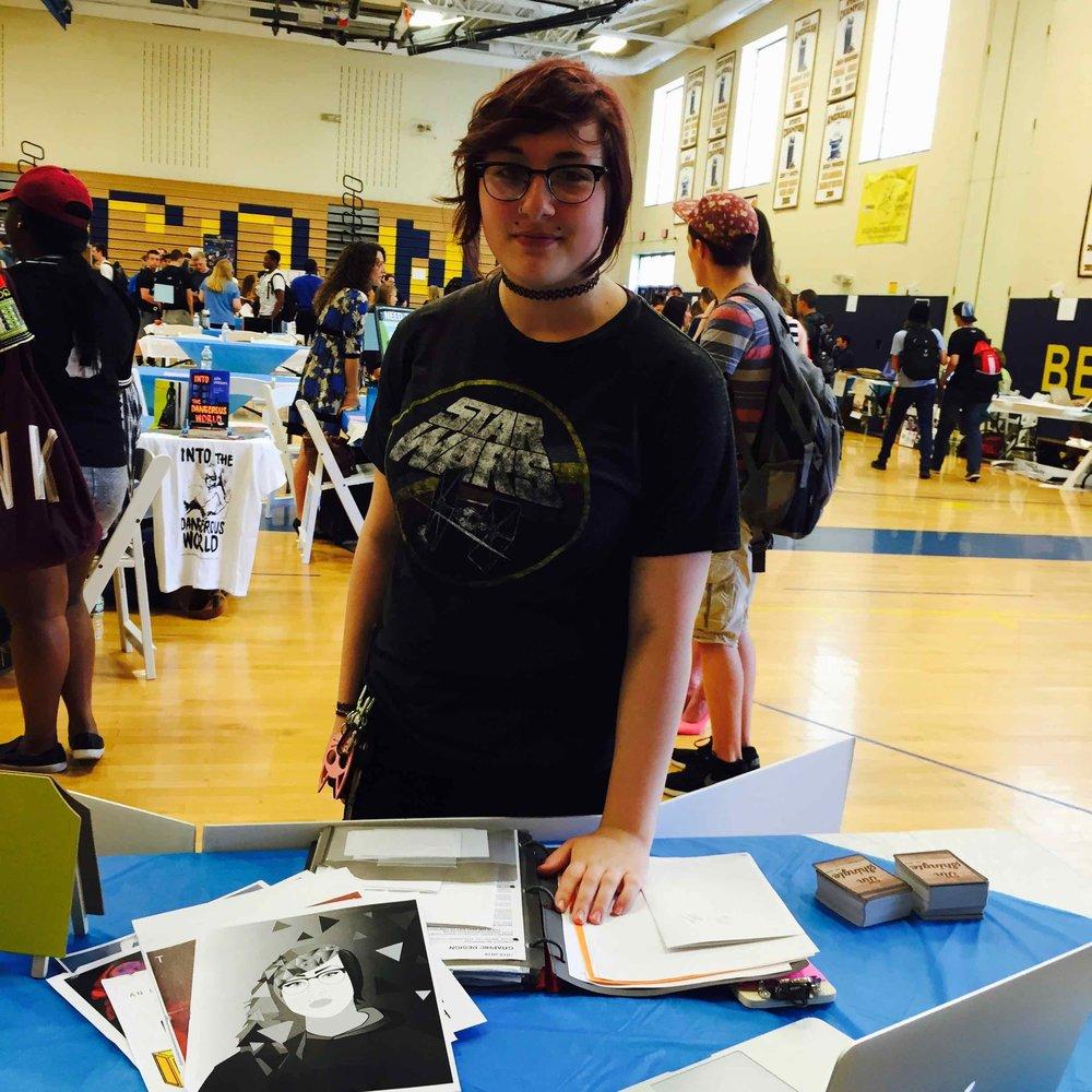 An aspiring graphic design student inquiring about internships.