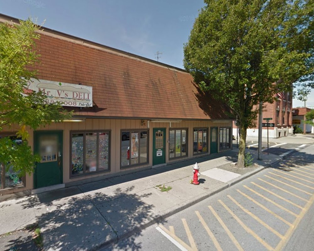 Picture of the building housing Mr. V's Deli before exterior renovations began for Amarcord's future brick oven pizza place.  Photo Credit: Google Maps