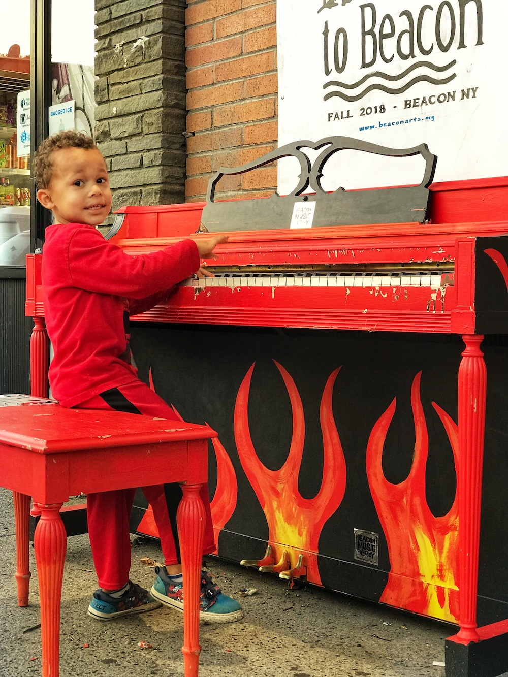 Piano at Key Food.  Photo Credit: Izdihar Dabashi