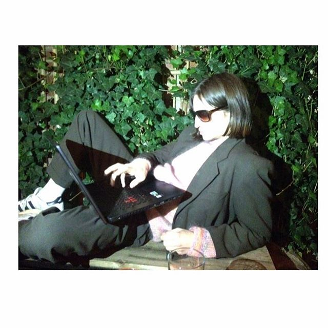 Ikväll kommer Willow Cohen och spelar musik 😍 så kul #djpåpompom 🍎🍕📀