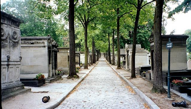 pere_lachaise_cemetery_002.jpg