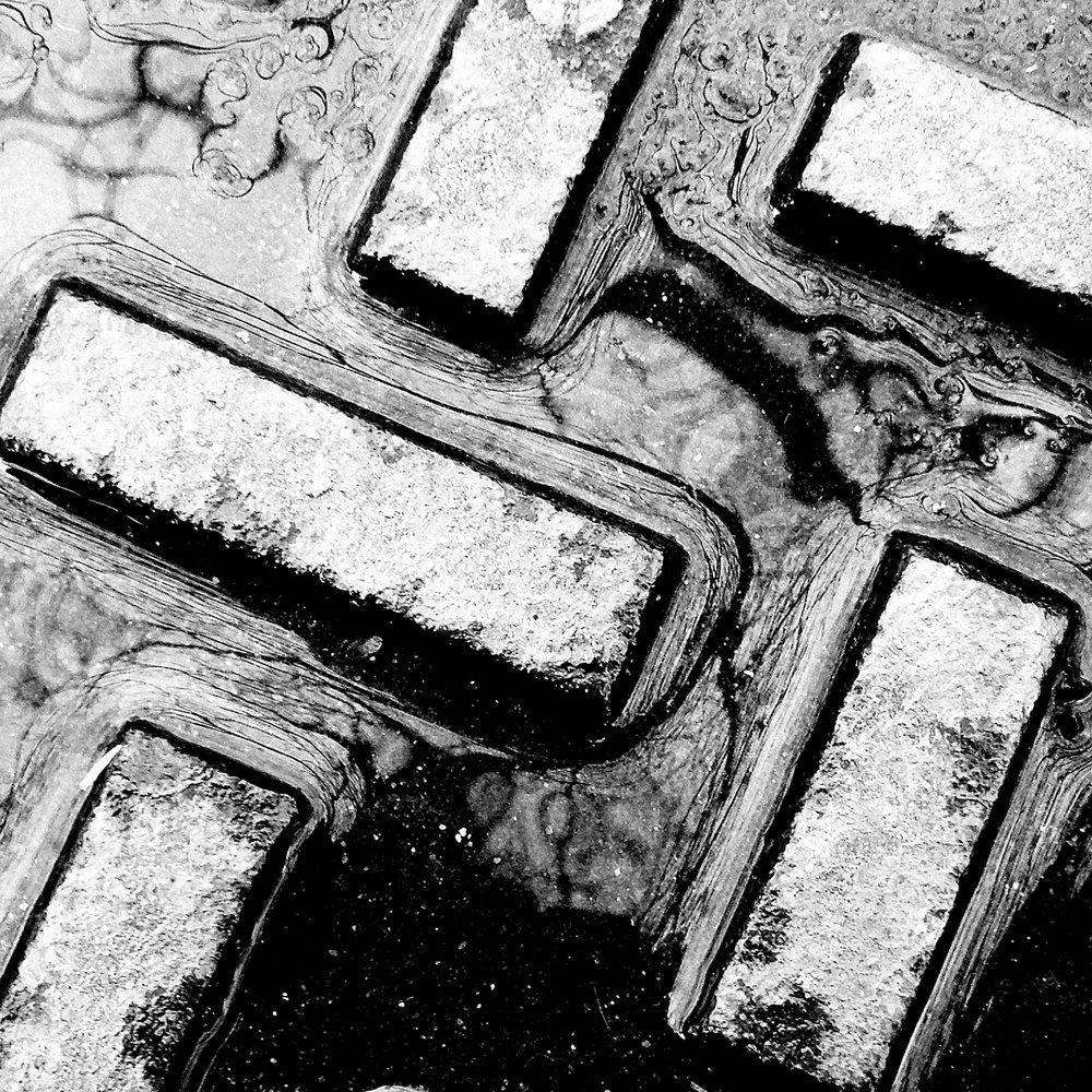 manhole1.jpg