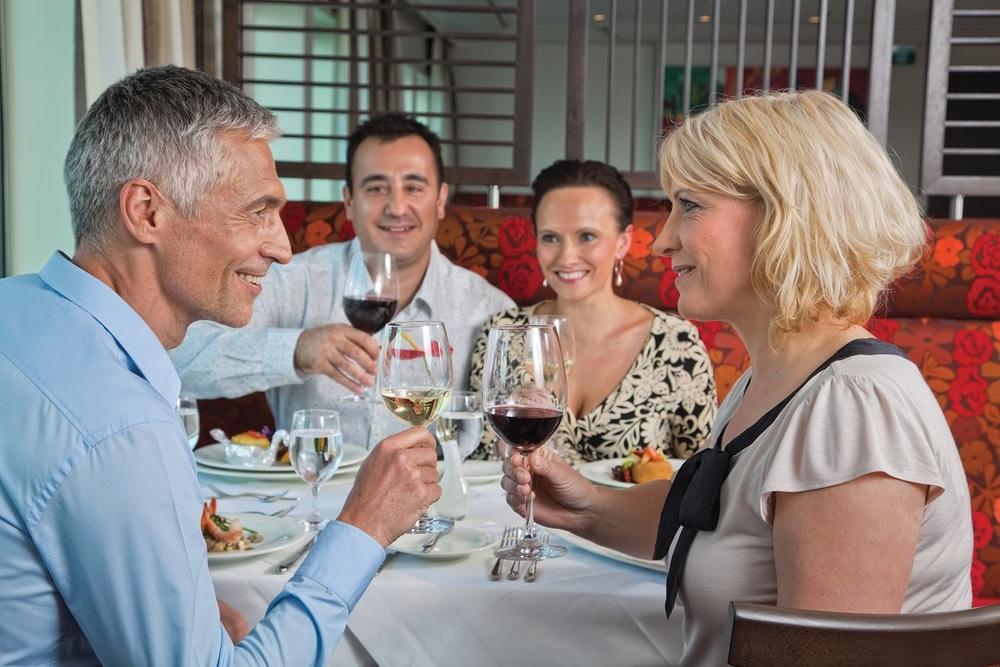 AmaBella_Restaurant_Group.jpg