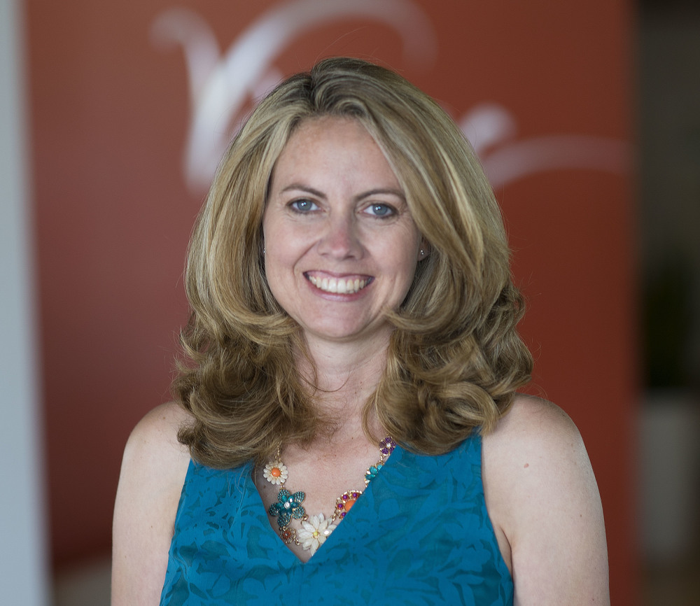 Carrie Lincks – Office Manager