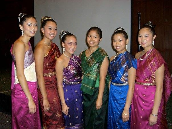"Pom Khampradith (green) with her first five students (left to right) Latana, Olivia, Katherina ""Poupee"", Phonetip & Kathy, 2002."