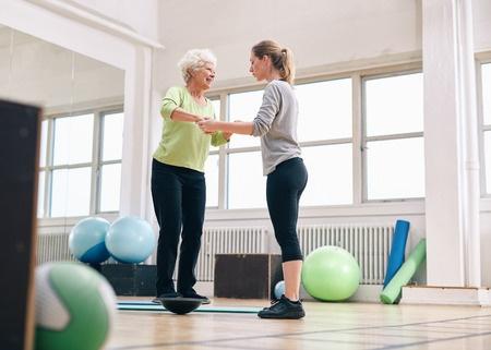 36042159_S_senior_woman_balance_therapy.jpg