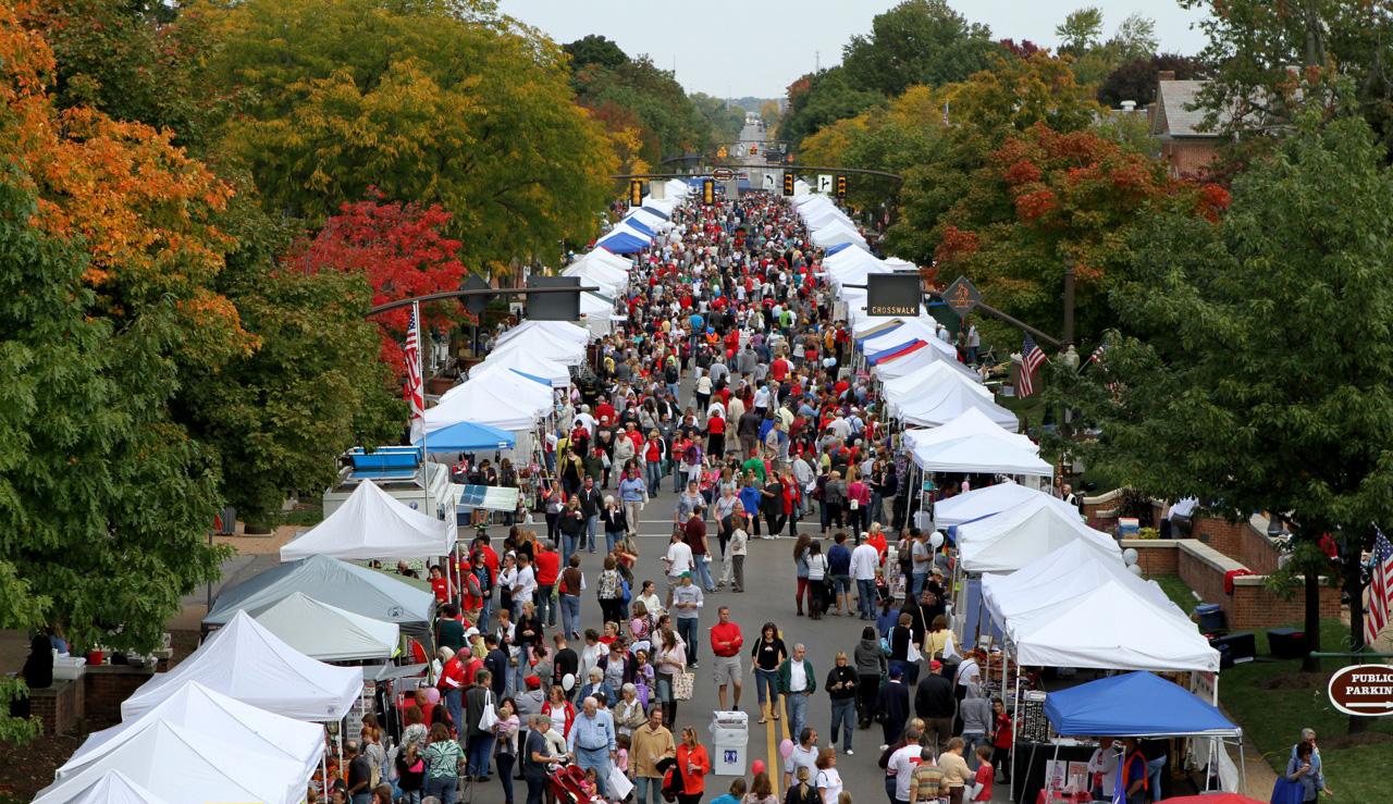 Market Day crowd 2012