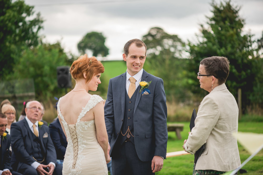 Peak+district+farm+wedding+lower+damgate+photographer-139.jpg