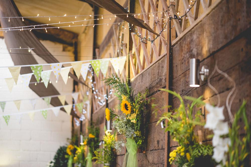 Peak+district+farm+wedding+lower+damgate+photographer-100.jpg
