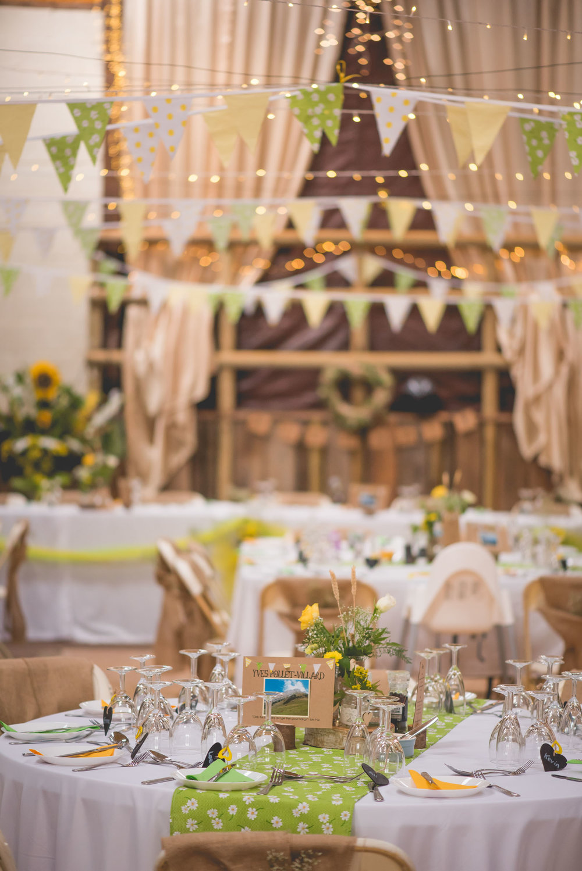 Peak+district+farm+wedding+lower+damgate+photographer-101.jpg