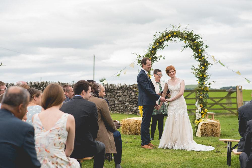 Peak+district+farm+wedding+lower+damgate+photographer-129.jpg