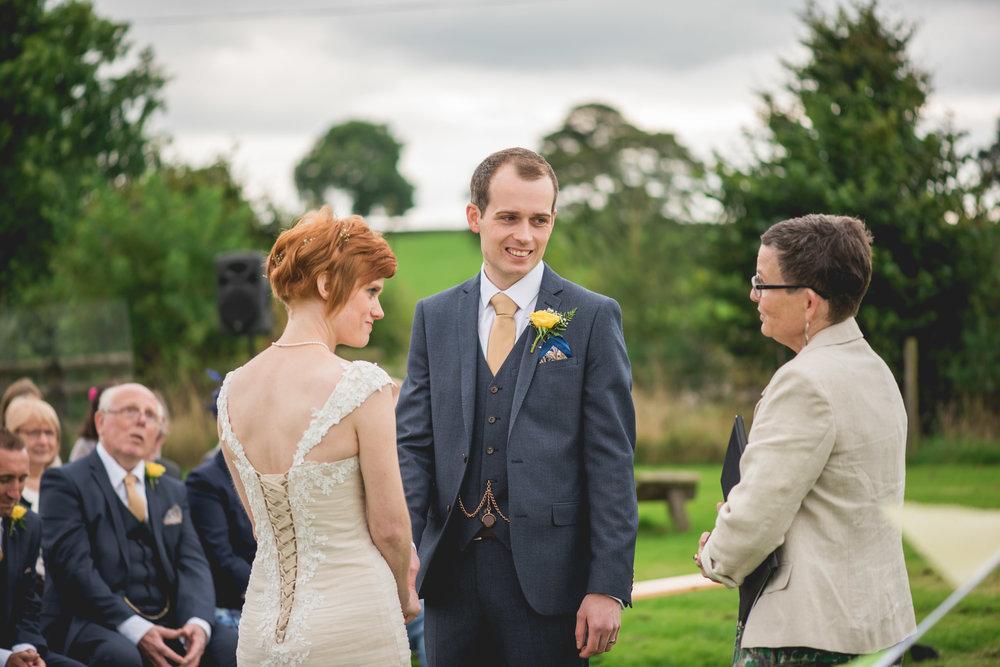 Peak+district+farm+wedding+lower+damgate+photographer-139.jpg