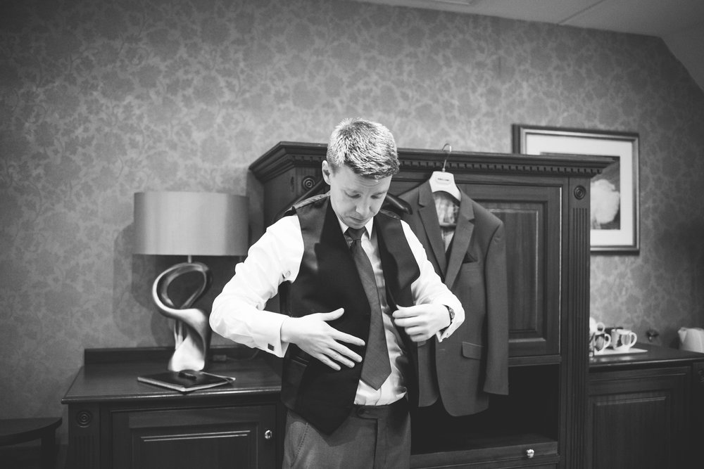 The+Fairlawns+wedding+Aldridge+StLukes+Church-44.jpg