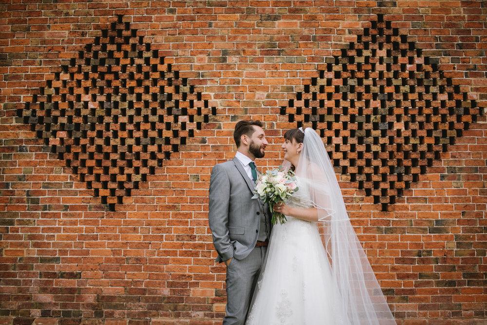 Jodie-George-shustoke-barn-wedding-photography-staffordshire-663.jpg
