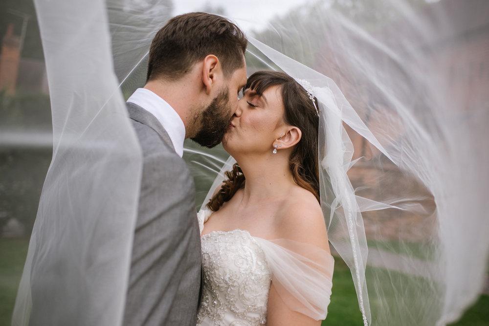 Jodie-George-shustoke-barn-wedding-photography-staffordshire-688.jpg