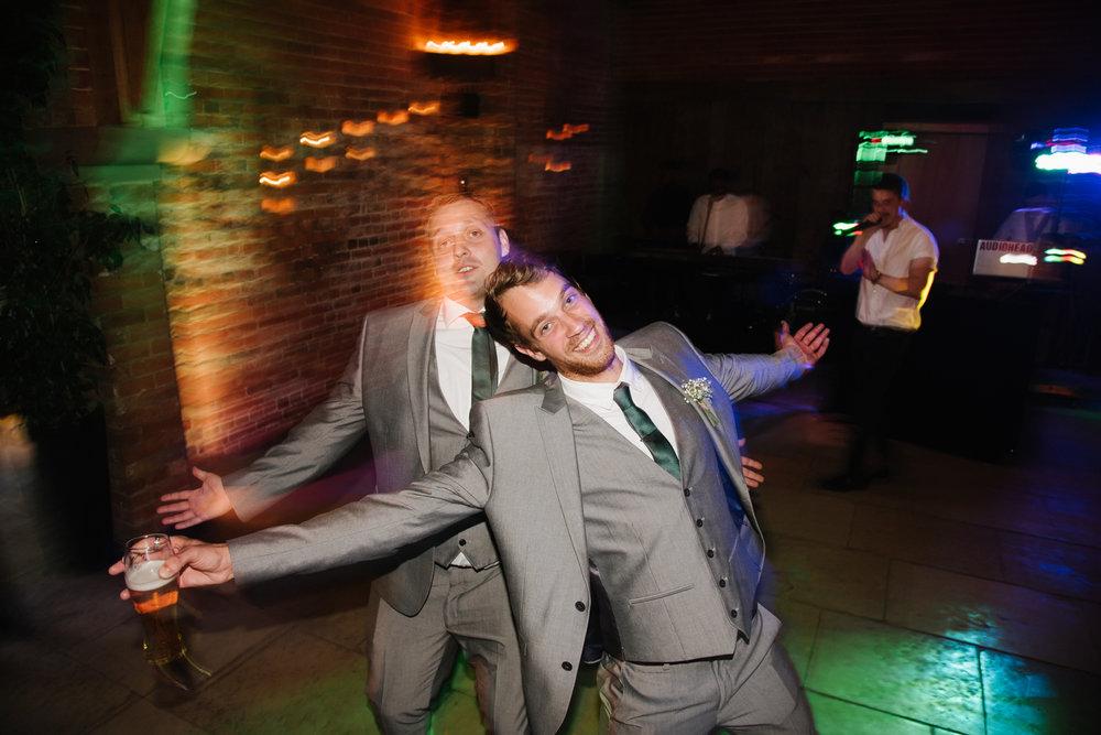 Jodie-George-shustoke-barn-wedding-photography-staffordshire-1012.jpg