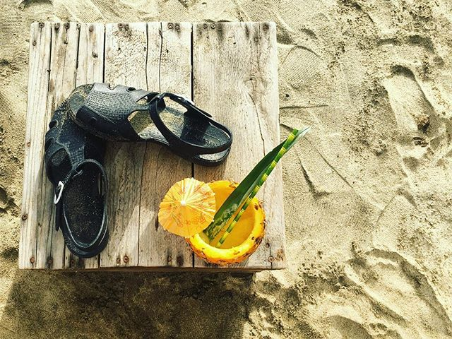 One more sleep!! Who's celebrating Chrissy by the beach? Don't forget your @karibu_sandals. #sandals #beachwear #beachchristmas #christmaspresent
