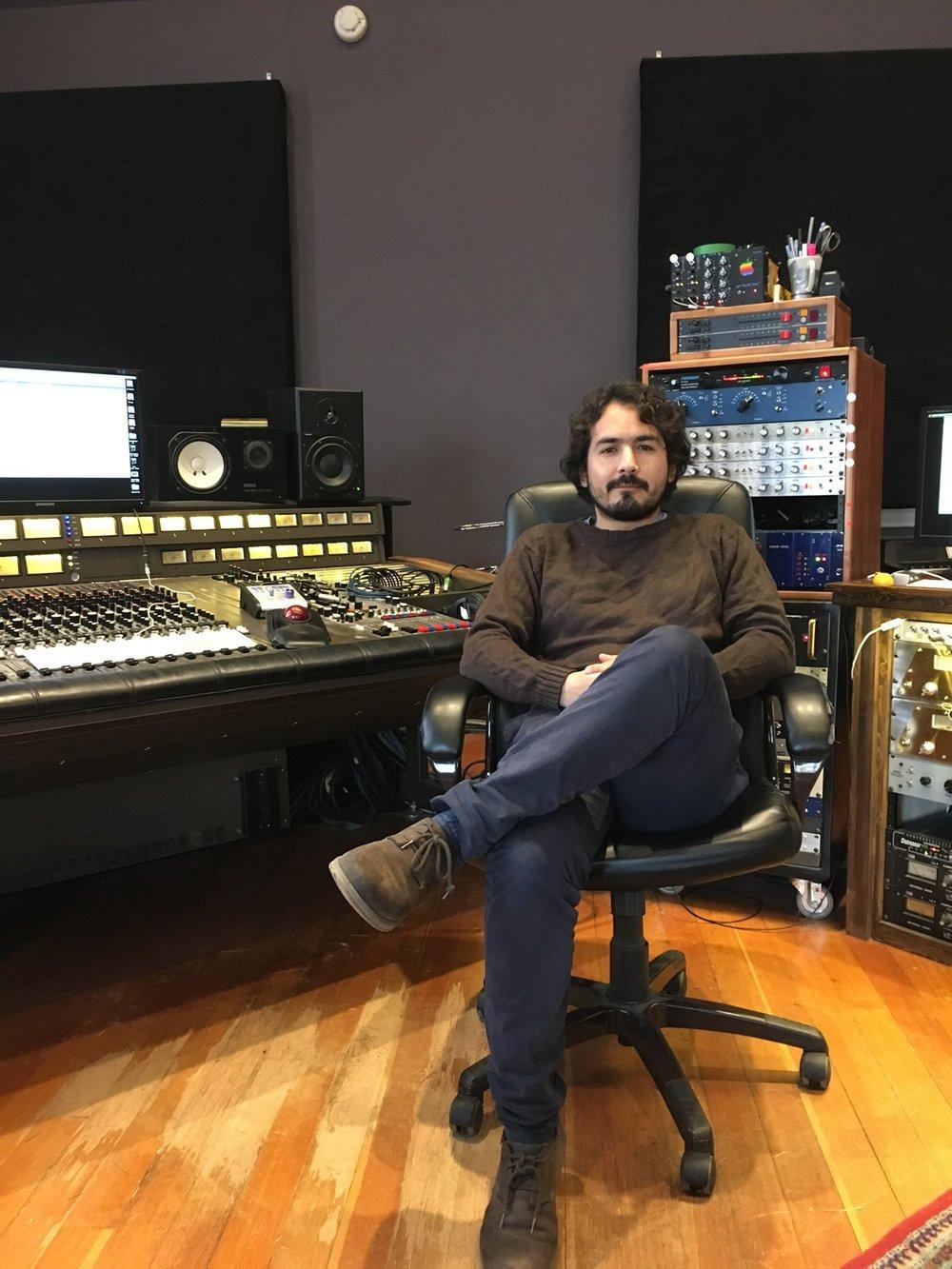 Guillermo Subauste in the studio.