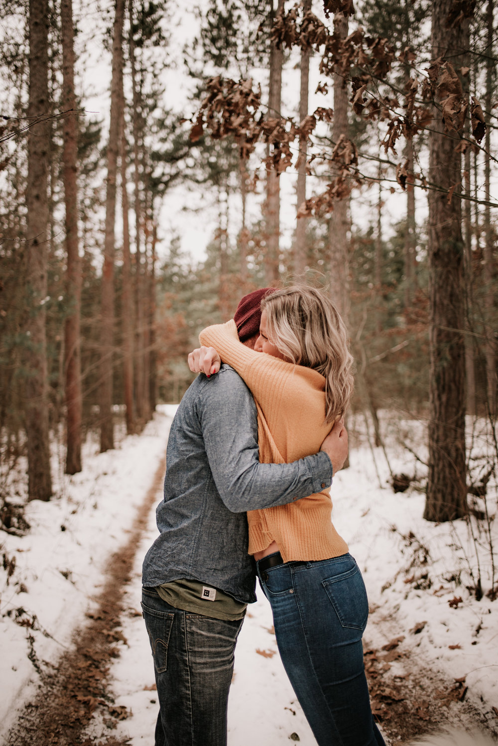 Snowy_engagement_session-80.jpg