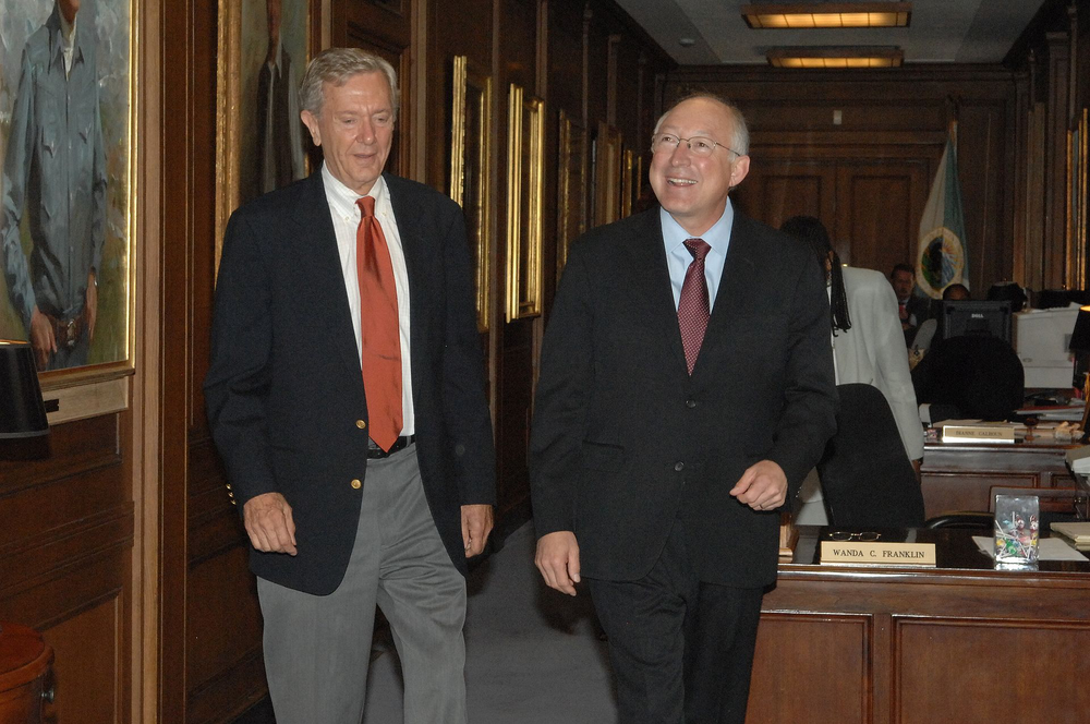 The highly consequential former Secretary of the Interior Bruce Babbitt (left) in 2009 with the then (and now) highly inconsequential Secretary of Interior Ken Salazar.  Source: US Department of the Interior.