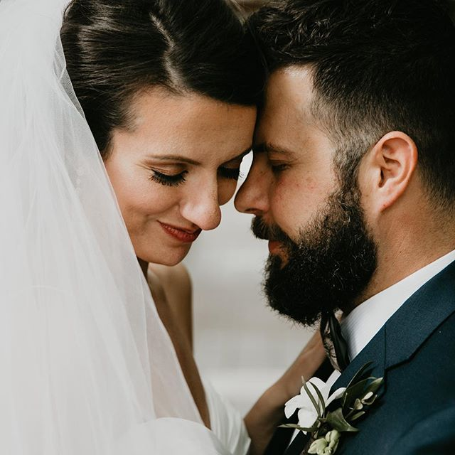 You ever kiss someone so much your lips fall off? Smoochin' breaks are important to make sure the bride and groom make it the ceremony, lips and all.