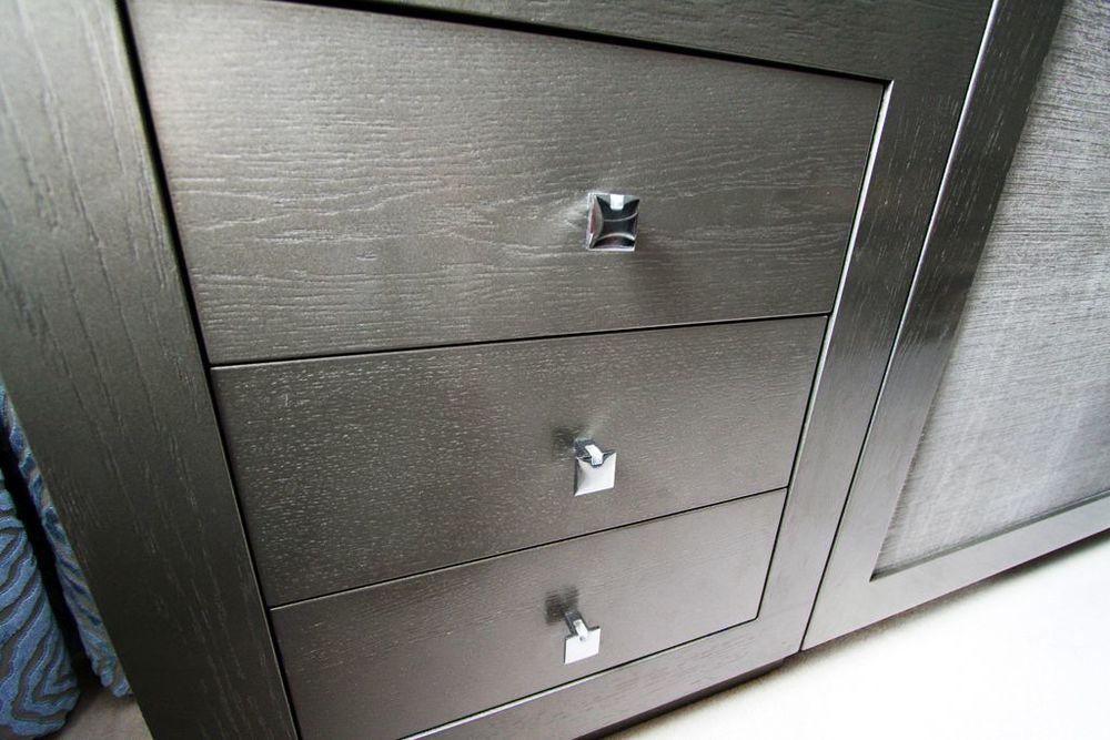 kitchen cabinet metallic.jpg