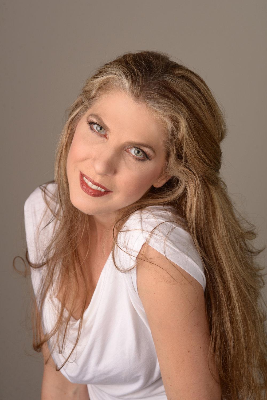 Stacy Rishio, mezzo-soprano