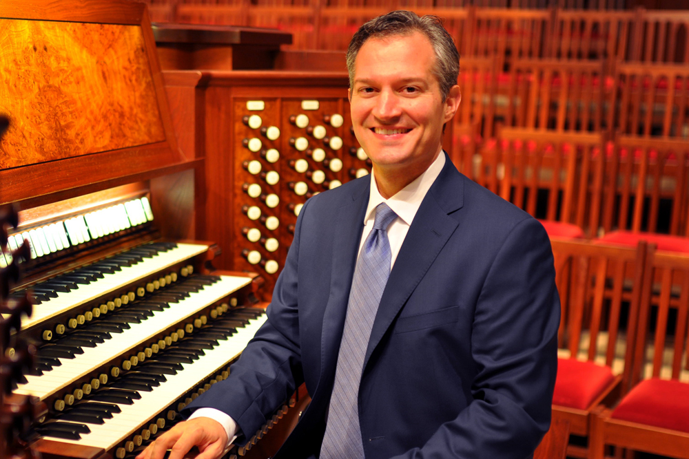 Bradley Welch, organ