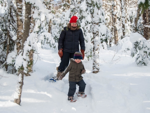 Fun on snowshoes - Laura Rose/SnowshoeMag.com