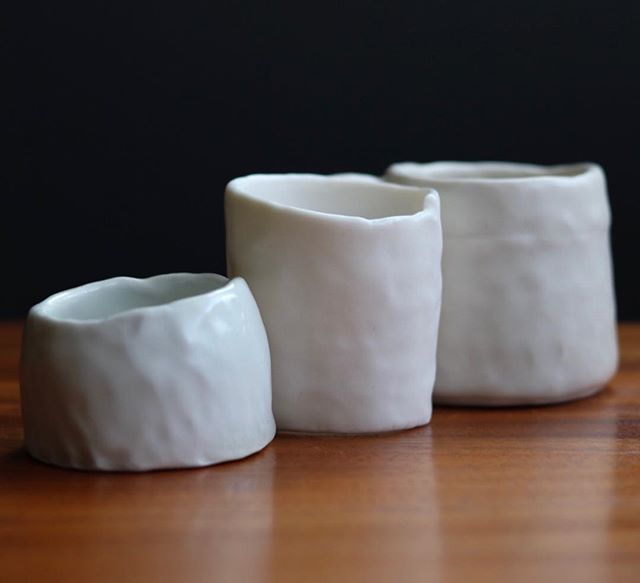 Day 18 | Mistakes/lessons 🌊 Ever since flooding last year disrupted my access to porcelain locally, I have had to try out new clays. The biggest lesson in this has been to be flexible and always test test test. Here are three new porcelains I'm trying out from left to right SIO2 Aneto, Laguna Frost, and Laguna 616 aka #15. I'm so torn. I like the aneto a lot, but compared to the the others it's pretty blue, and the frost is a lovely warm white and is magnificently translucent, but a pain in the butt to work with. The #15 is nice, but I'm not sold on it yet 🤔 what do you guys think?? #marchmeetthemaker