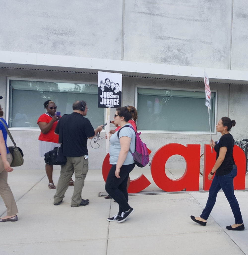 Chicago JwJ Solidarity with CWA members at CAN TV!