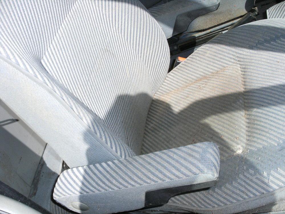 eurovan frt seats 003.JPG