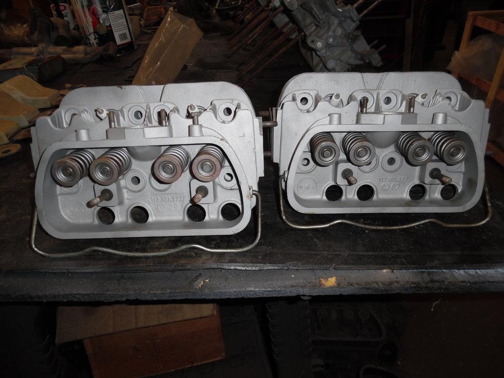 late style 40 hp heads 002.JPG