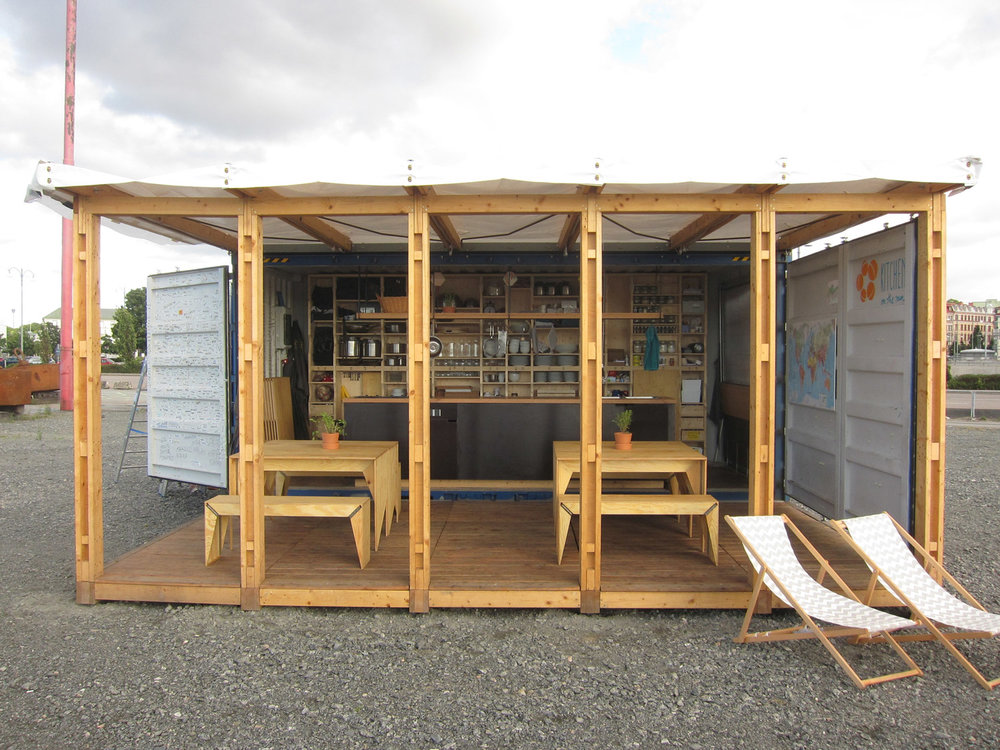 The container kitchen, designed by architecture students of TU Berlin (Prof. D. Fioretti) © Sebastian Haß
