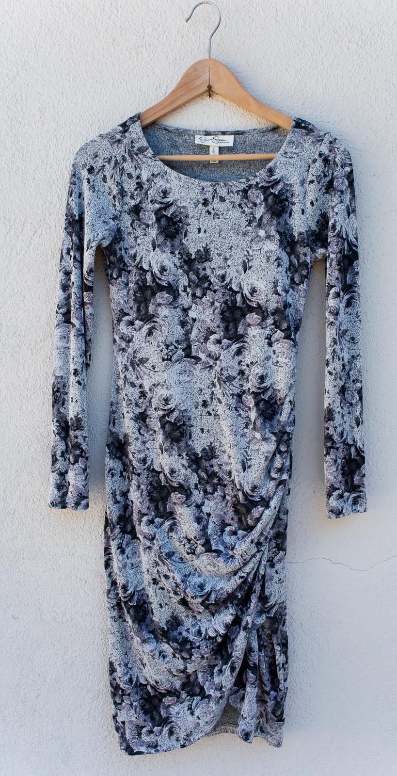 Rose Floral Dress - Motherhood MaternitySize SFull SleeveKnee Length