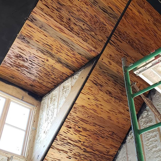 The guys up at Lake Burton are doing a great job in this house! Pecky cypress ceilings, and walls and vintage oak beams. #peckycypress #peckycypressceiling #oakbeams #vintageoak #vintageoakbeam #cypresspaneling #lakeburton