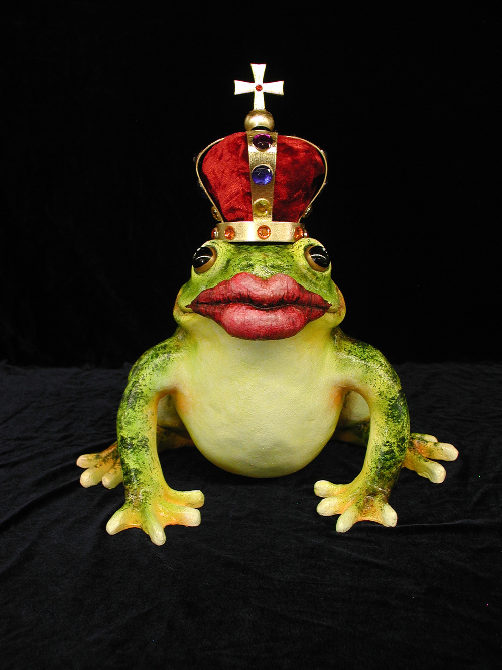 frog lips crown.jpg