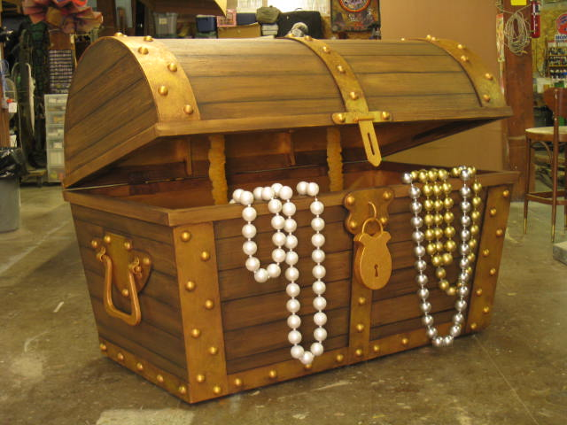 Treasure Chest, Window Display