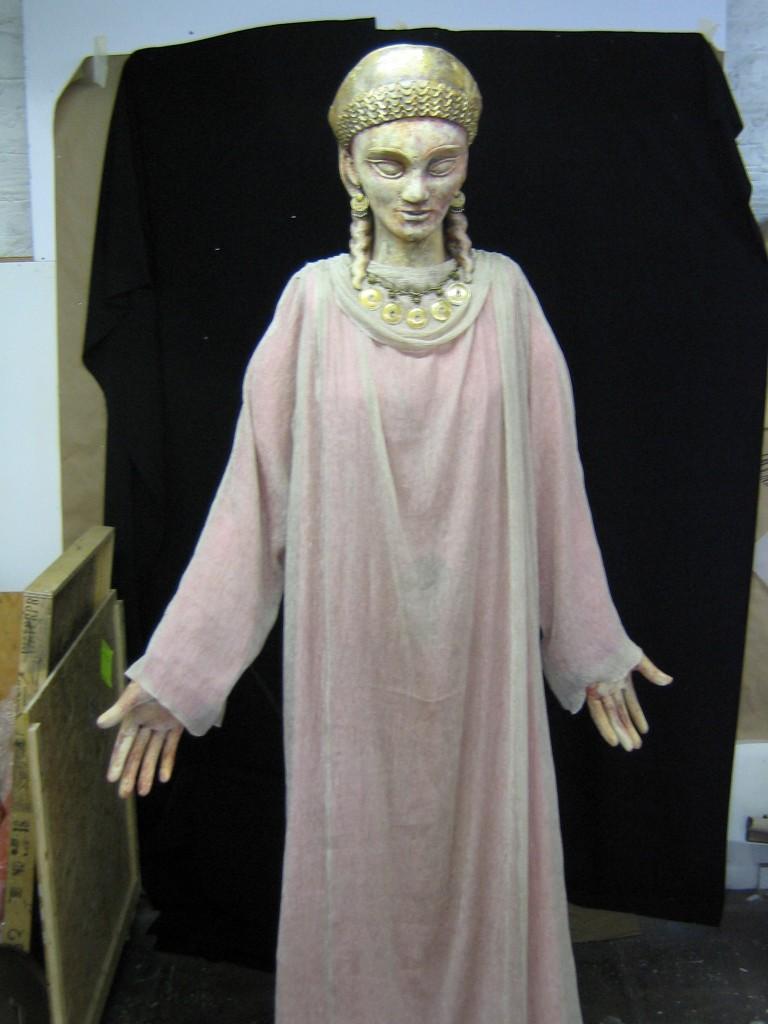 Ancestor Puppet: Queen